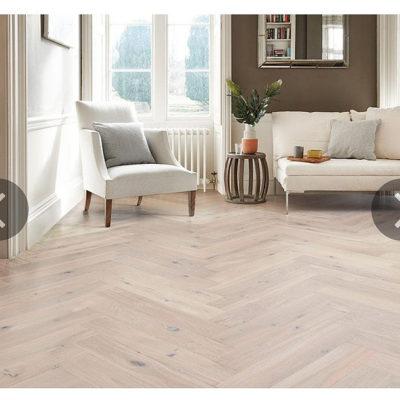 Herringbone Engineered European Rustic Oak Flooring 14mm x 130mm Cappuccino Lac